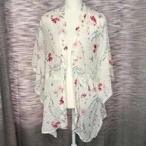 TIME AND TRU CREAM FLORAL COVERUP LARGE